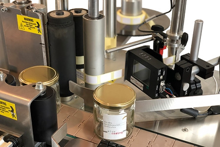 Etikettiermaschine mit Inkjet Drucker